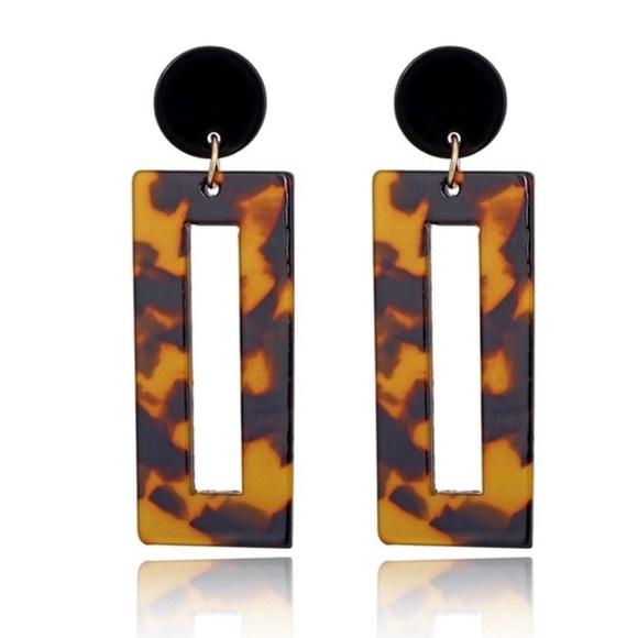 402eac740e3c1 2 for $15😍 NEW Tortoise Shell Earrings Boutique